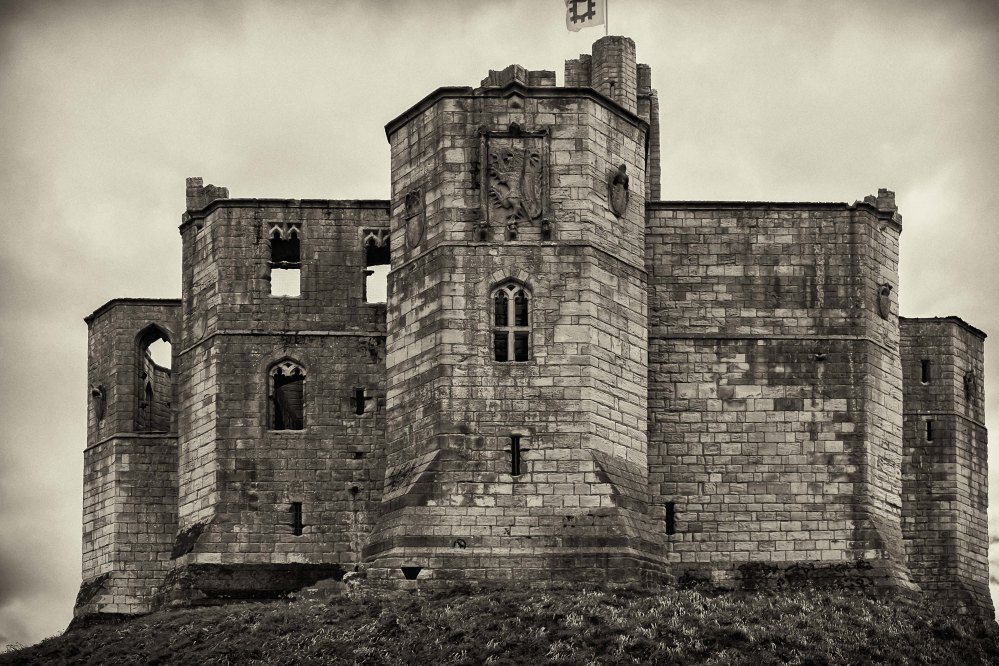 this is one of the latteral aspects (right hand side of main castle shot).