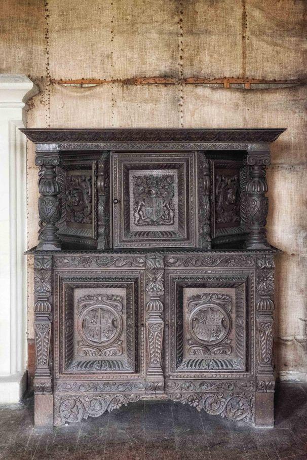 Hessian walls (original) and oak furniture.