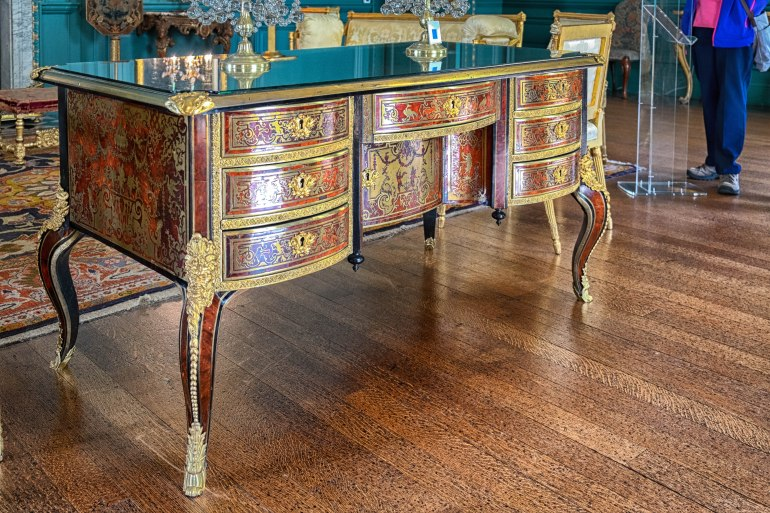 french furniture