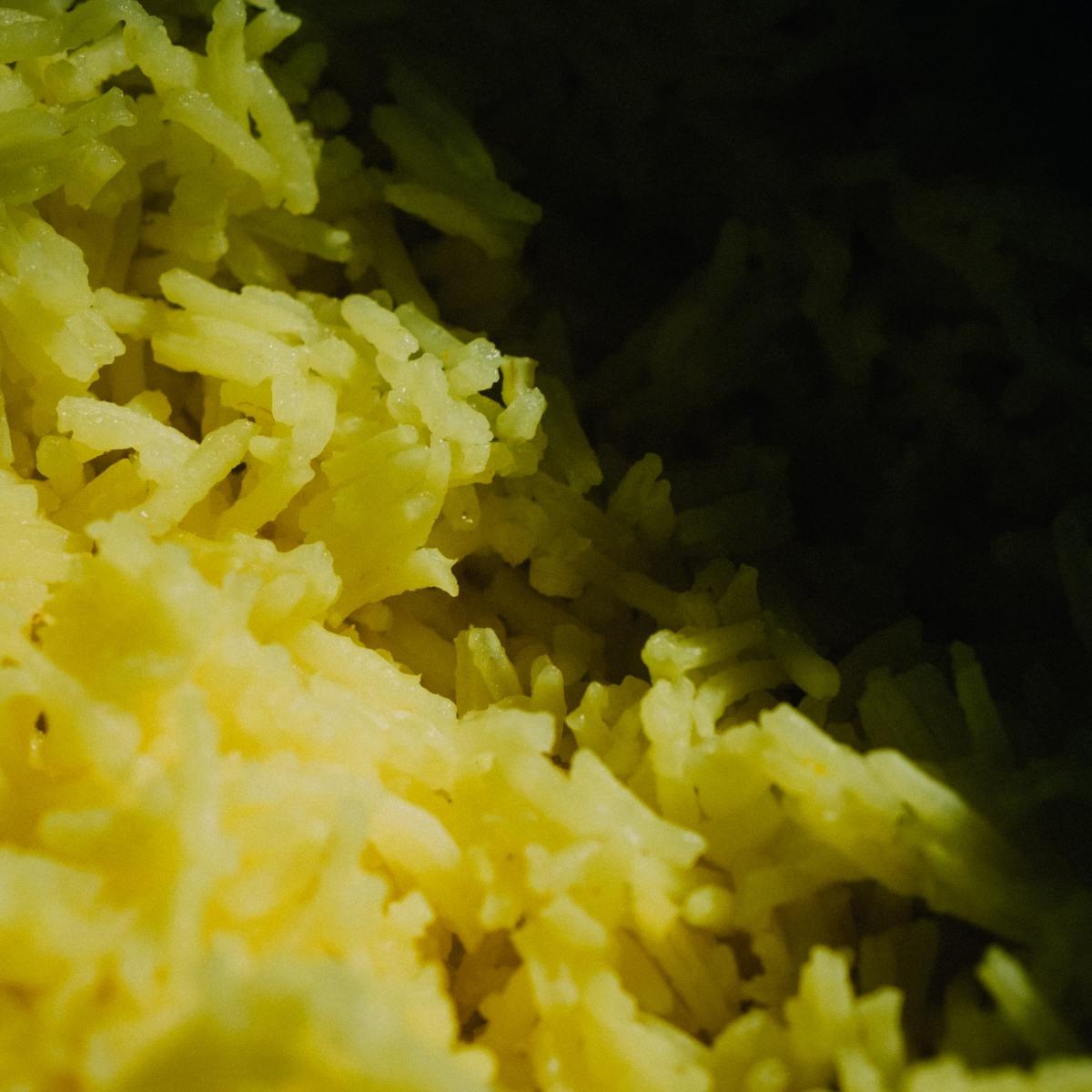 boiled basmati rice with turmeric