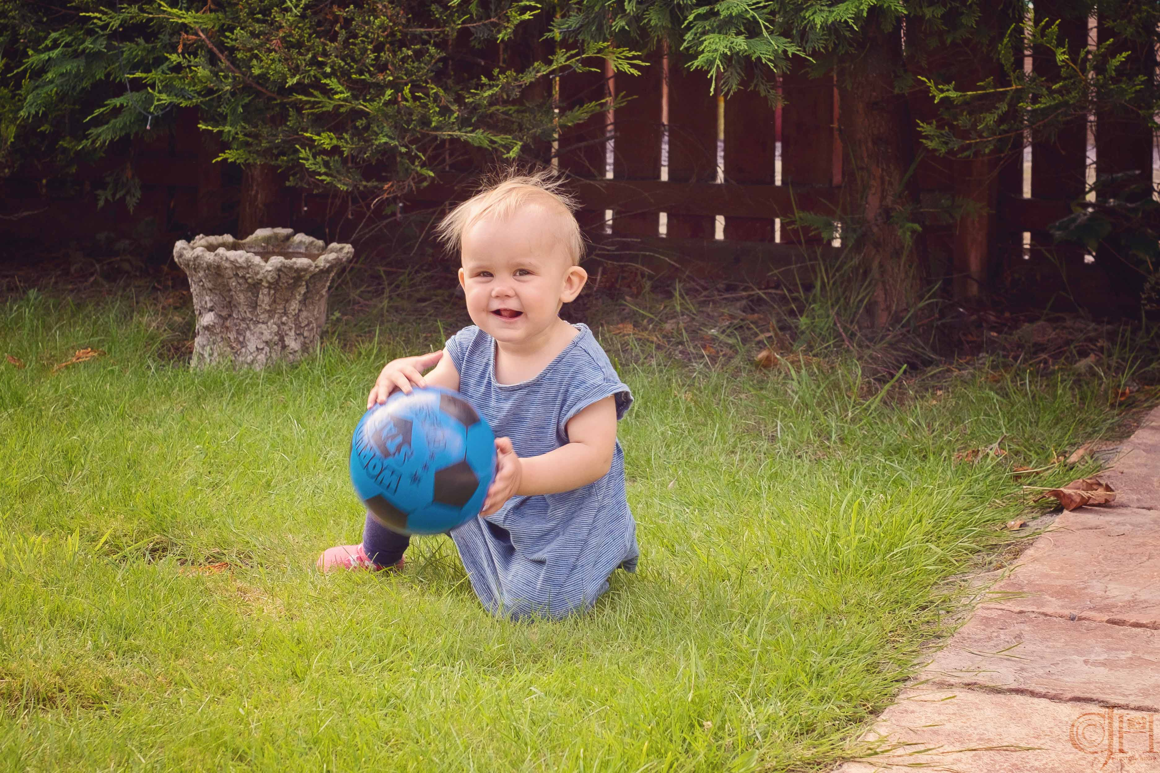 Liddy the ball girl